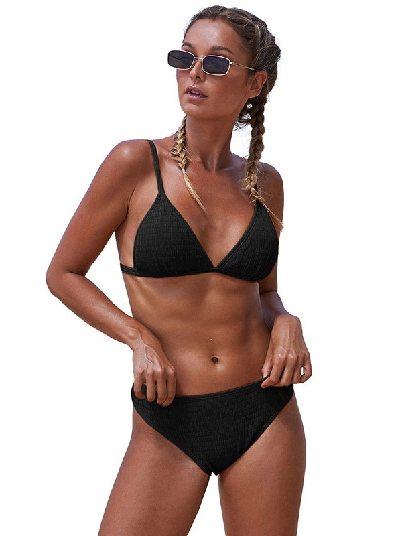 Black Beach Split Triangular Smocked Sexy Bikini Set